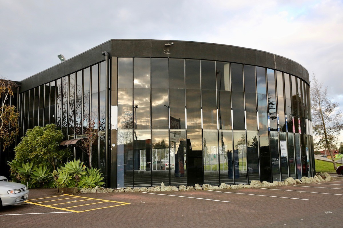 Tenanted investment on busy main road