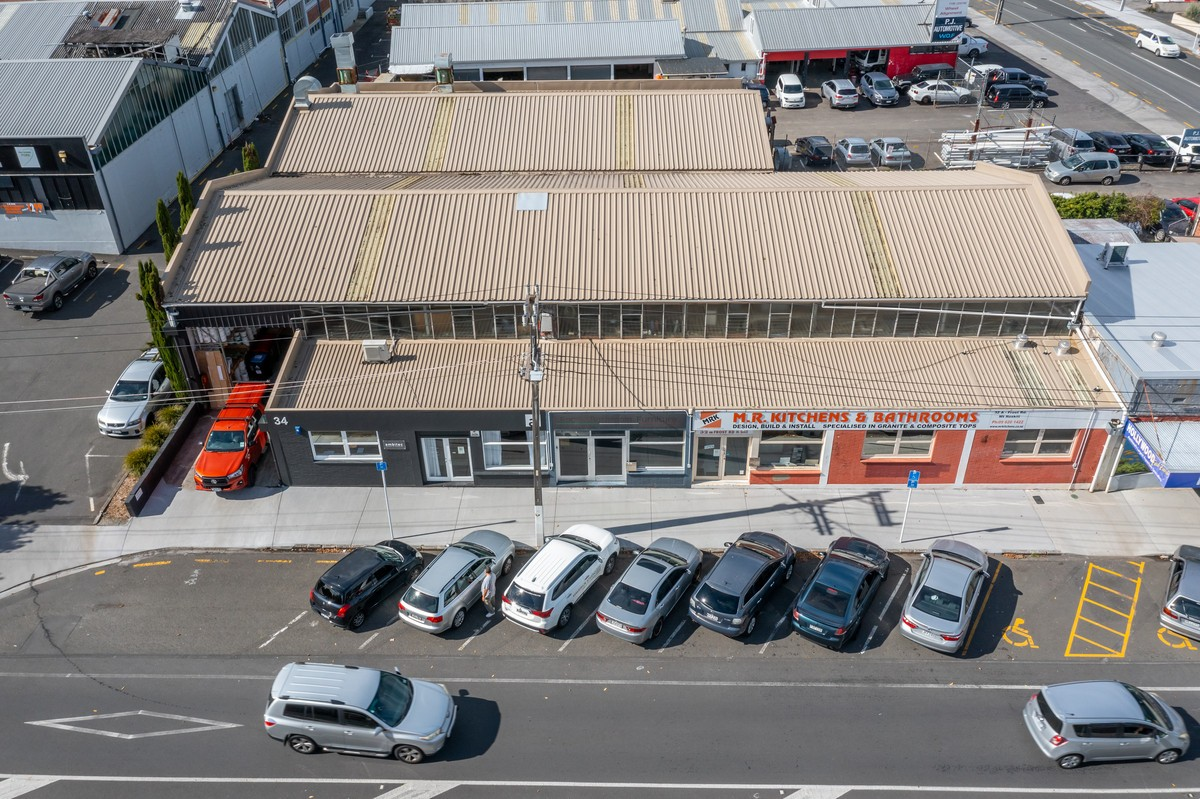 Freehold high stud retail warehouse for sale